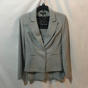 Express suit with pencil skirt and blazer